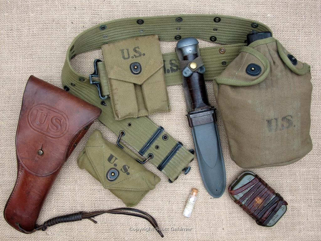 WWII U.S. Navy rig with 1944 Colt M1911A1.